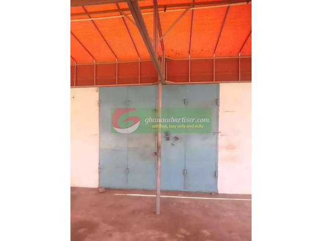 Shop for rent at Achimota - 1