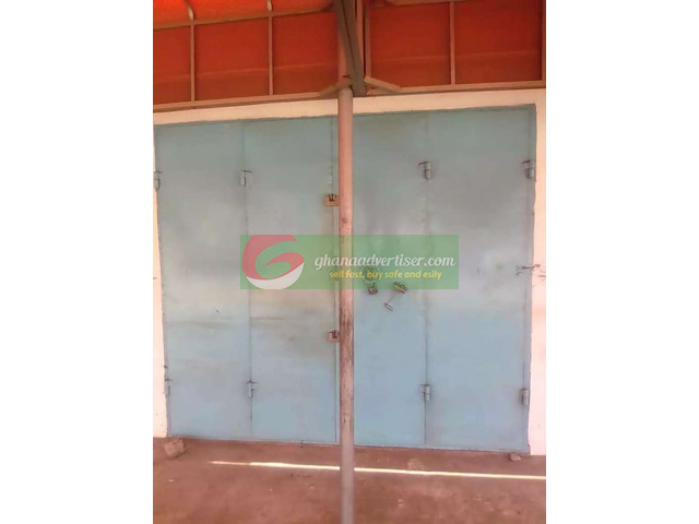 Shop for rent at Achimota - 2