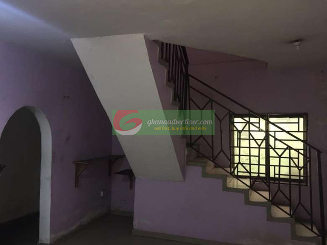 6 bedroom house to let at Kokomlemle - 7
