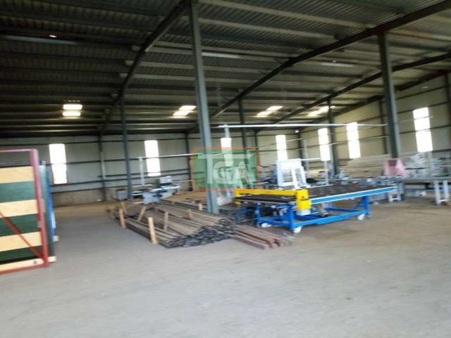 FOR SALE: Warehouse on 1.8 Acres Land along COMMUNITY 25, TE - 4