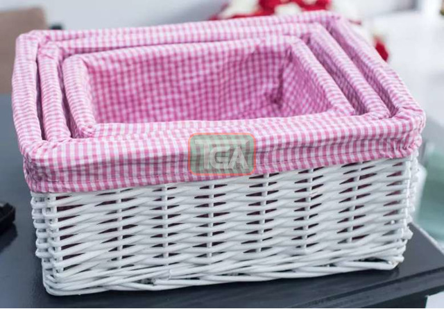 White wicker baskets - 1