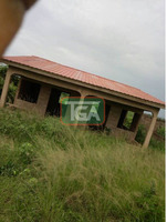 Uncompleted 2 rooms on a full plot