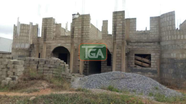 4 units 3 bedroom house uncompleted is for sale Spintex comm - 1