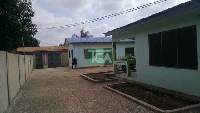FOR SALE: 3 Bedrooms House with Out House in GREDA ESTATE - - 2