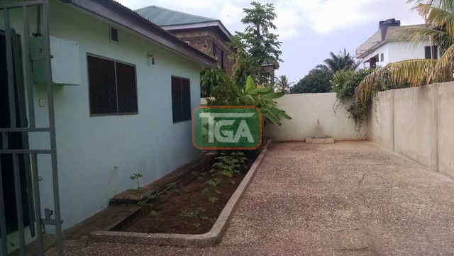 FOR SALE: 3 Bedrooms House with Out House in GREDA ESTATE - - 4