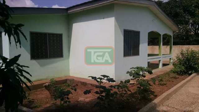 FOR SALE: 3 Bedrooms House with Out House in GREDA ESTATE - - 5