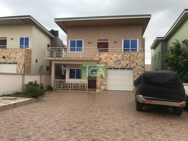 Executive 3 Bedrooms House plus one Boys Quarters for Rent - 2
