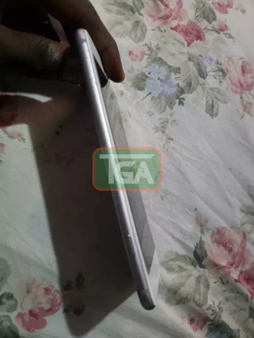iPhone 6 plus only the finger which is not working. - 3