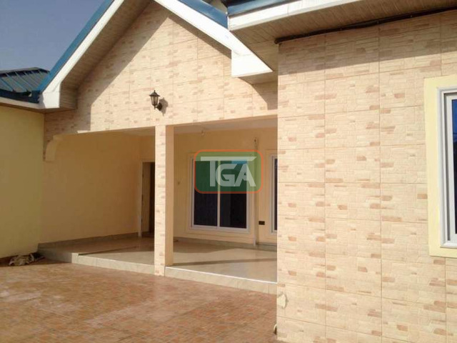 4 bedrooms house - 3