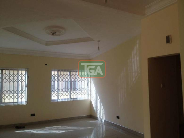 4 bedrooms house - 6