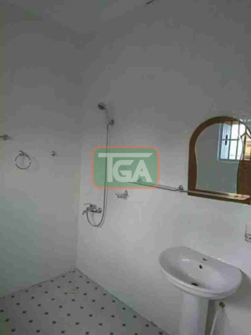 Selling 3 bedrooms house at C.P in Kasoa - 5