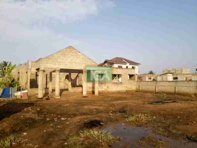Uncompleted 5bedroom hse 4sale at Race course Lapas - 1
