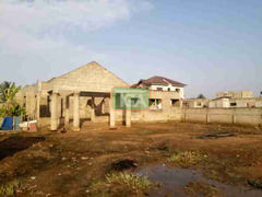 Uncompleted 5bedroom hse 4sale at Race course Lapas