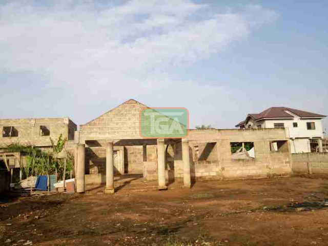 Uncompleted 5bedroom hse 4sale at Race course Lapas - 2