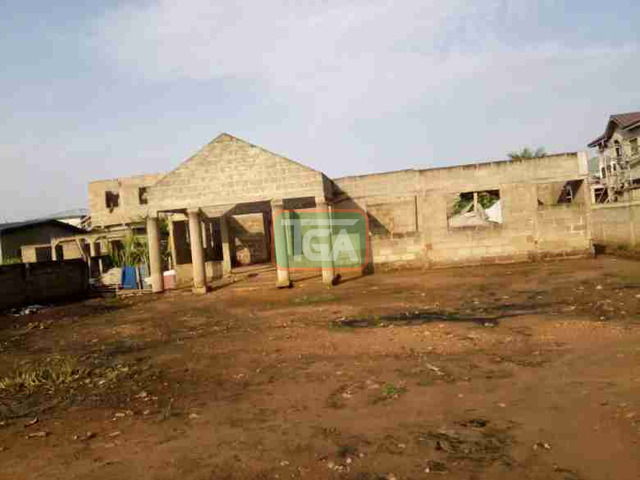 Uncompleted 5bedroom hse 4sale at Race course Lapas - 3