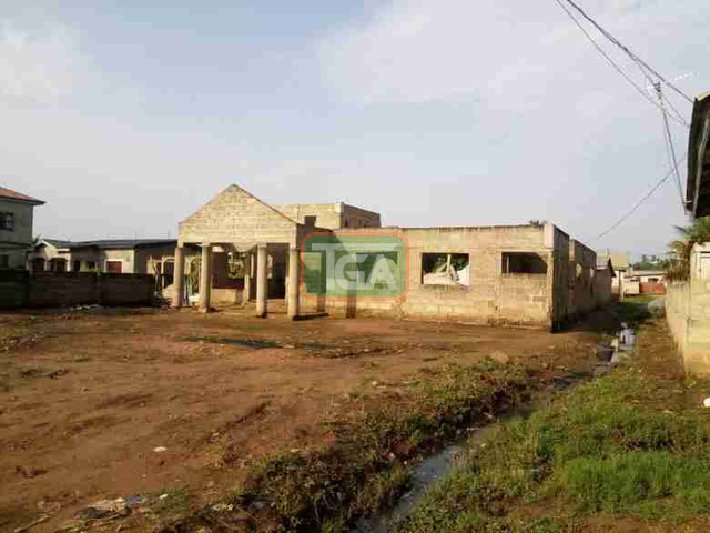 Uncompleted 5bedroom hse 4sale at Race course Lapas - 4