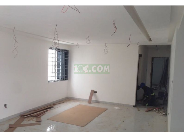 3 Semi Furnished Executive Bed Room For Sale - 2