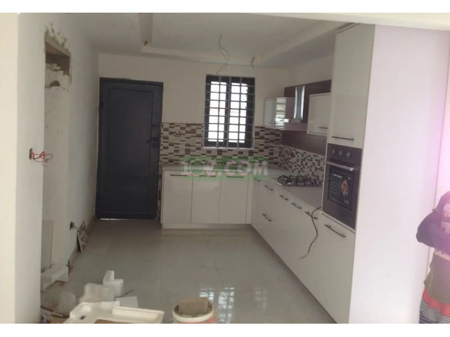 3 Semi Furnished Executive Bed Room For Sale - 3