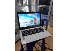 Acer aspire core i3, 2gb VGA graphics
