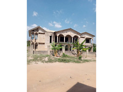8 Bedrooms for sale at Kenyasi Bosore