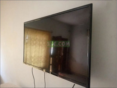TCL 32 Inches Smart LED