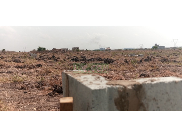 PLOTS AVAILABLE AT COMMUNITY 25 - 1